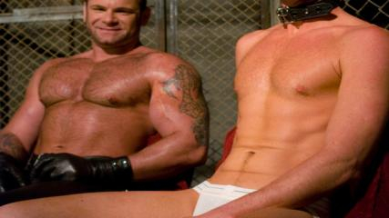 Boundgods Mobile - Master Tober Brandt And Slave Chet.