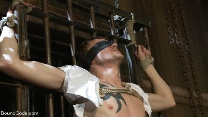 Free Muscle Gay Porn Movies - Perverted Leather Daddy And His Helpless Captive