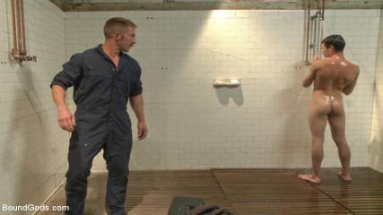 Gay Potn Sites - The Creepy Handyman Ties His New Victim Up And Fucks Him Senseless