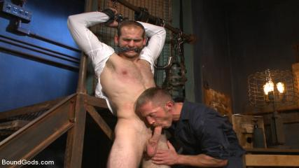 Hot Gay Muscle Men Videos - Creep Handyman Torments And Blackmails His Boss