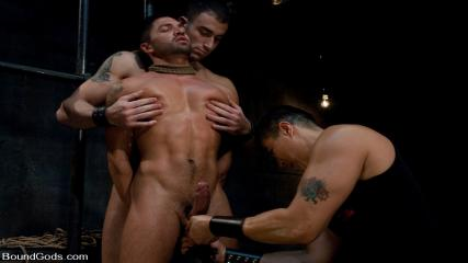 Muscular Men Gay Sex Videos - Bound Gods First Live Shoot
