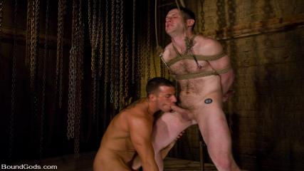 Video Gay Muscl - Training Begins For TheUpperFloor.com