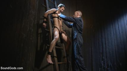 What Is Kinky Gay Sex - Hesitant Stud Transformed Into Mr Wilde's Bondage Slut